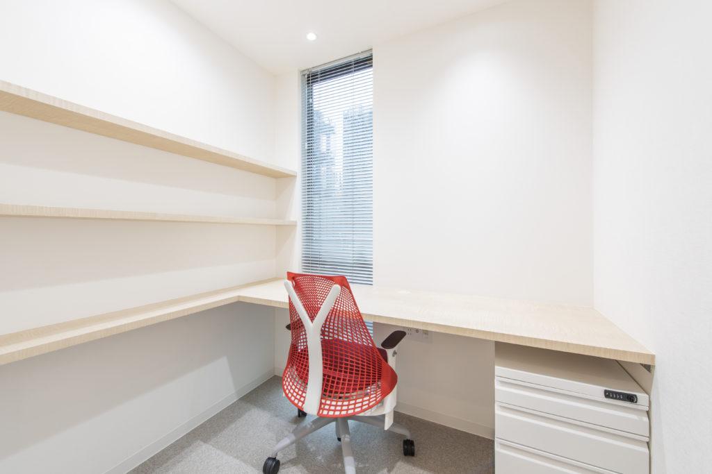 大門町の事務所 個室